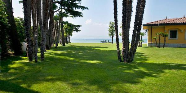 lg09-exclsive-lake-front-villa-for-sale-in-sirmione