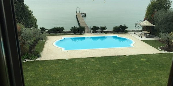 lg15-garda-lake-sirmione-villa-a-lake-in-the-walls-of-the-castle