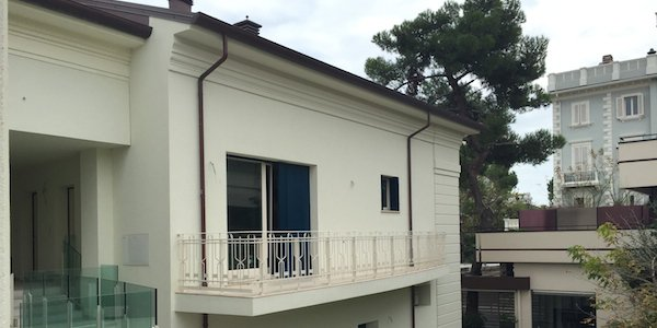 ma04-riccione-several-apartments-in-the-center-of-the-fashion-avenue